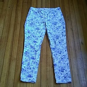 Isaac mizrahi skinny jeans white with blue flowers